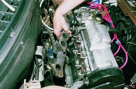 Как �ня�� вп��кной и в�п��кной коллек�о� двига�еля ВАЗ2110