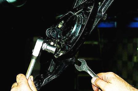 установка пружины передней