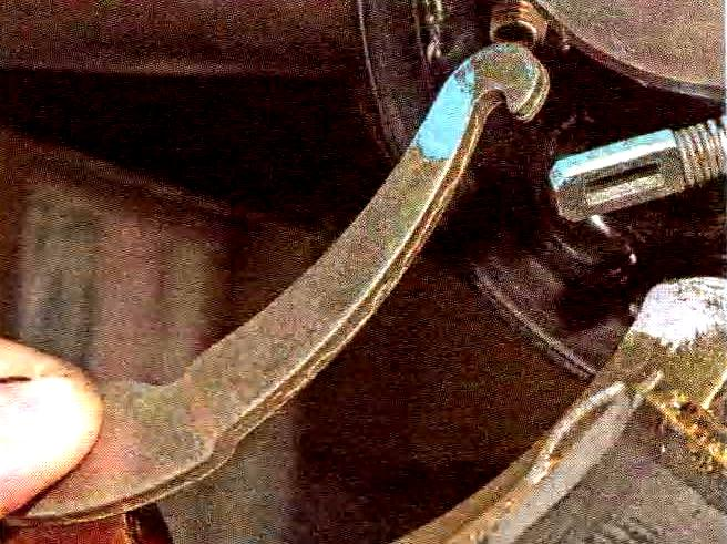 Как поменять задние тормозные колодки на приоре