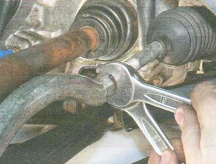 Рулевые тяги замена своими руками